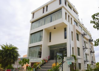 Hotel Highnest | Terrace Banquets & Party Halls in Urapakkam, Chennai