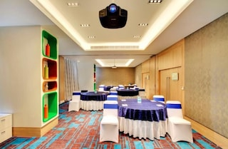 Holiday Inn | Corporate Events & Cocktail Party Venue Hall in Gandhi Nagar, Bangalore