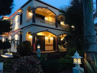 Woods Inn Resort | Corporate Events & Cocktail Party Venue Hall in Gandhi Nagar, Bhopal