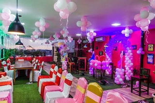 OYO Townhouse 053 | Terrace Banquets & Party Halls in Gomti Nagar, Lucknow