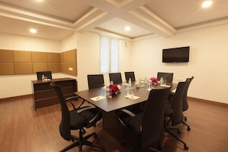 Monsoon Empress Hotel   Party Plots in Vennala, Kochi
