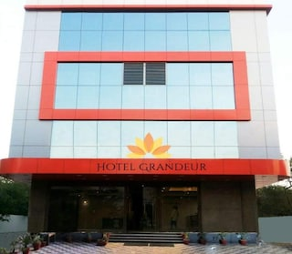 Hotel Grandeur | Corporate Events & Cocktail Party Venue Hall in Nigdi, Pune