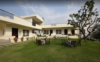 Devraj Villa | Outdoor Villa & Farm House Wedding in Hiran Magri, Udaipur